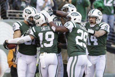 New York Jets release WR Devin Smith