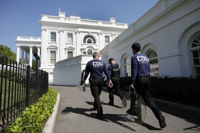 Report: 881 Secret Service employees contracted COVID-19