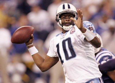 NFL: Tennessee 27, Miami 24 (OT)