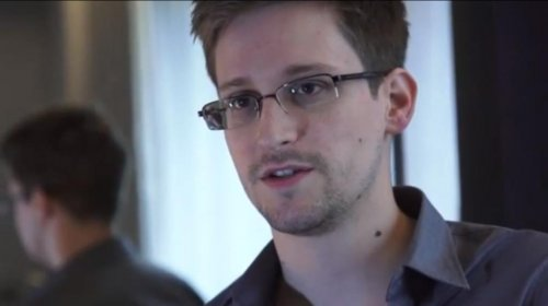 WikiLeaks: Secrets-leaker Snowden met with former U.S. spy officials