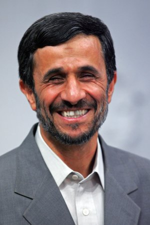 Conservatives mute Ahmadinejad criticism