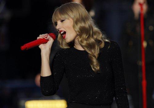 'Red' tops U.S. album chart