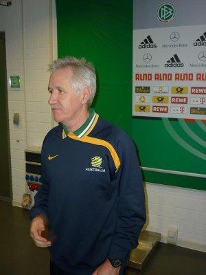 Tom Sermanni fired as U.S. women's national team coach