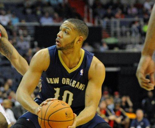 New Orleans Pelicans edge Miami Heat