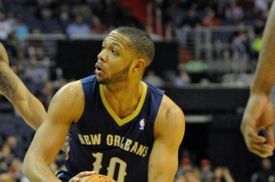 New Orleans Pelicans edge Miami Heat