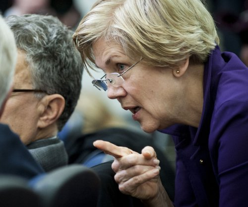 Elizabeth Warren attacks Donald Trump: 'small, insecure money-grubber'