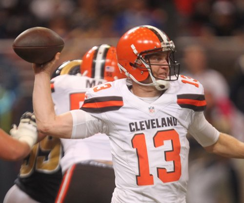 Cleveland Browns downplay Josh McCown trade rumors