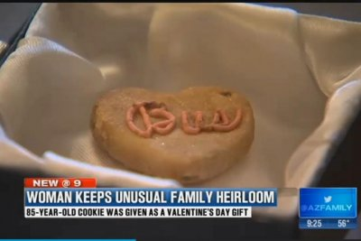 Arizona woman keeps 85-year-old cookie as family heirloom