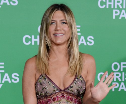Jennifer Aniston donates $1 million to hurricane relief efforts