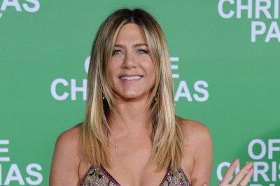 Jennifer Aniston donates $1 million to hurricane relief efforts