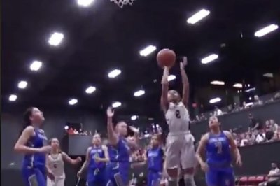 Kobe Bryant's daughter, Gianna, puts on clinic in AAU game