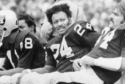 Willie Brown, Hall of Fame cornerback for Oakland Raiders, dies at 78
