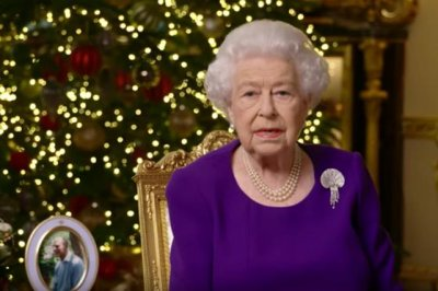 Queen Elizabeth II hails British heroes of COVID-19 in Christmas message