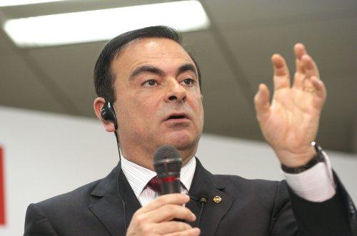 Renault-Nisan moves in on Chrysler-GM