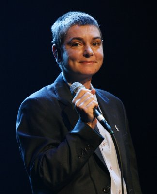 Sinead O'Connor to share 'sexual dirt' in memoir