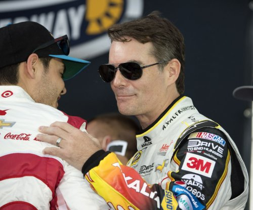NASCAR News: Jeff Gordon to replace Dale Earnhardt for next two races