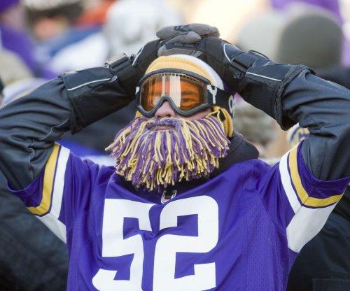 Minnesota Vikings waive QB Brad Sorensen, TE Brian Leonhardt