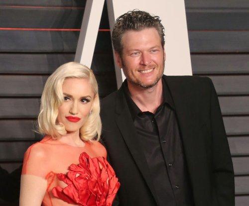 Blake Shelton says he takes Gwen Stefani on helicopter dates