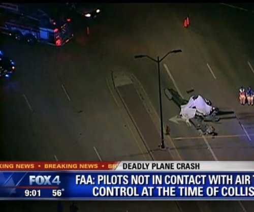 Small planes collide midair near Dallas, three dead