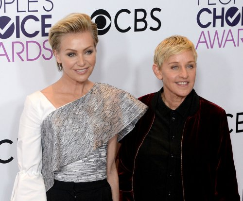Ellen DeGeneres celebrates 'Ellen' coming out episode 20 years later