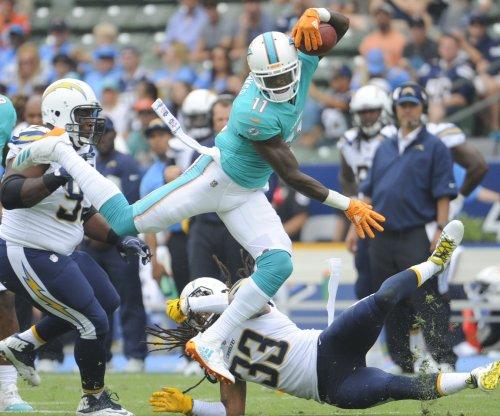 DeVante Parker's agent calls out Dolphins coach Adam Gase