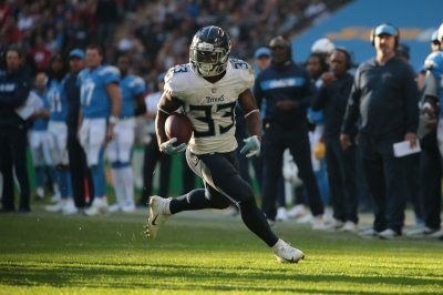 Tennessee Titans release RB Dion Lewis, LB Cameron Wake