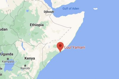 Car bomb kills several at busy Somali restaurant