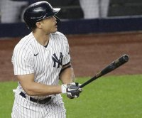 Giancarlo Stanton powers Yankees past Astros