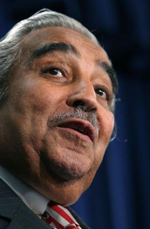 Democrats, GOP spar over donors' pasts