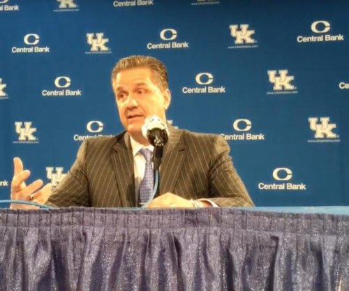 Tyler Ulis leads way in No. 10 Kentucky rout