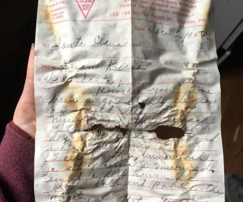 Pennsylvania couple find 60-year-old Santa letter while remodeling