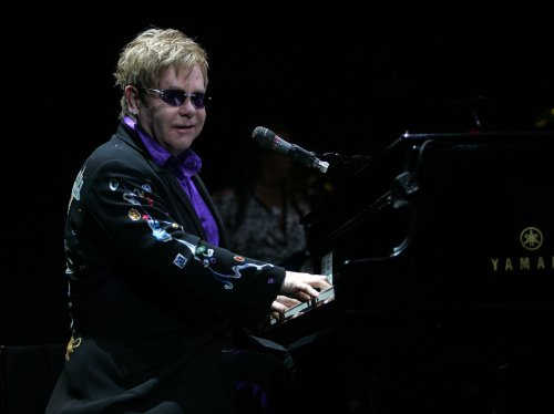 Elton John to serve as 'SNL' guest host