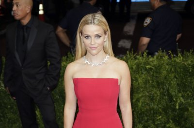 Reese Witherspoon cast as Tinker Bell in live-action Disney film