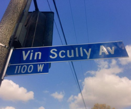Los Angeles names street after Hall of Fame broadcaster Vin Scully
