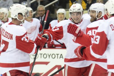 Henrik Zetterberg lifts Detroit Red Wings over Winnipeg Jets in shootout