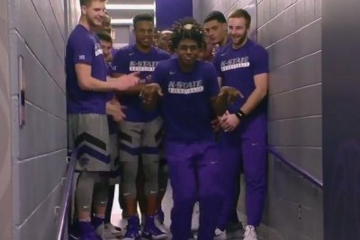 Manu Lecomte helps No. 1 Baylor slide past Kansas State