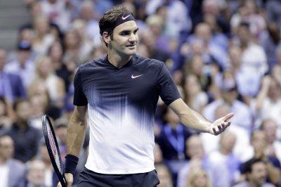 Rafael Nadal, Roger Federer advance to 2017 Shanghai Masters semis