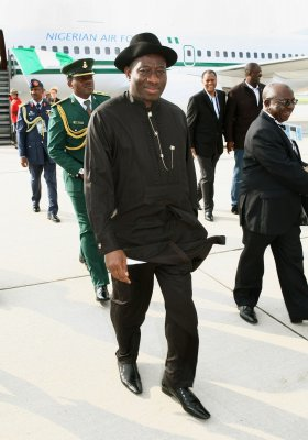 Riots follow Nigerian president's victory