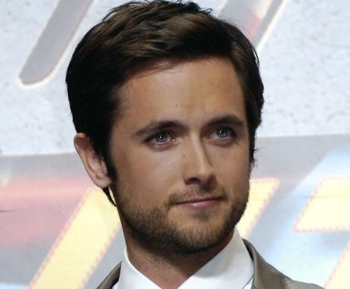 Justin Chatwin and James Frain land roles in 'Orphan Black'
