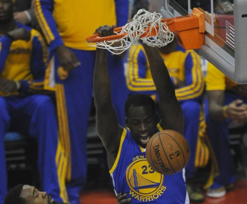 Golden State Warriors top Bulls, extend winning streak to 12