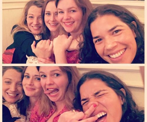 'Sisterhood of the Traveling Pants' stars reunite: 'All grown up'