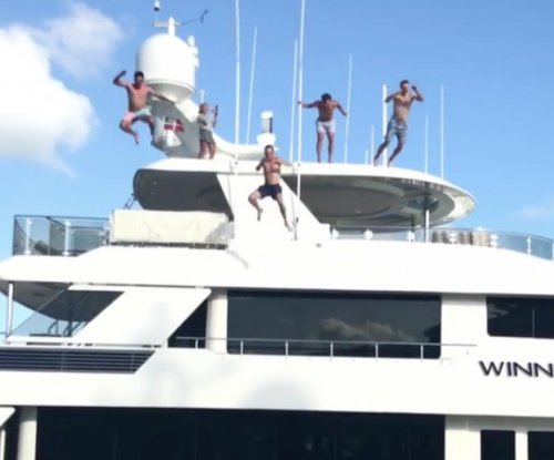 Watch: Rickie Fowler, Jordan Spieth and #SB2K17 crew jump off yacht