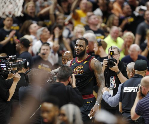 Cleveland Browns players weigh in on LeBron James' departure to Lakers