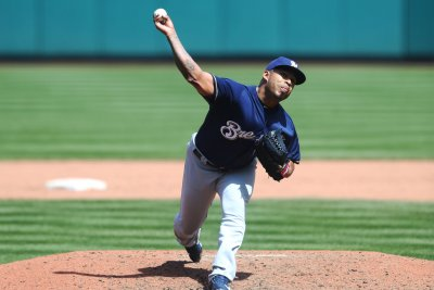 Brewers aim to get newcomer on track vs. Padres
