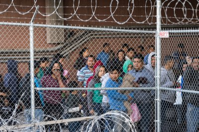 As violence rises, more Mexicans waiting in Ciudad Juárez to apply for asylum