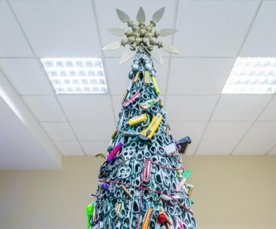 Airport builds Christmas tree out of confiscated items