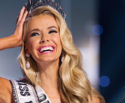 Miss Oklahoma Olivia Jordan is crowned Miss USA 2015
