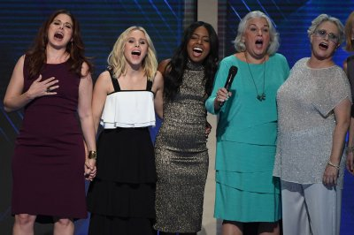 Kristen Bell, Debra Messing and more perform 'What the World Needs Now is Love' at DNC
