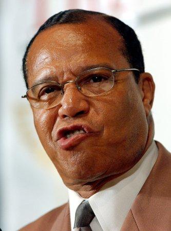 Farrakhan hails Gadhafi, predicts revolt