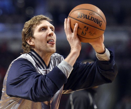 Nowitzki returns, paces Dallas Mavericks over Denver Nuggets